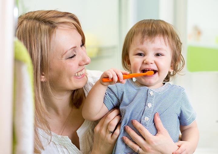 child-brushing-tips-dr-joy-dental-dubai